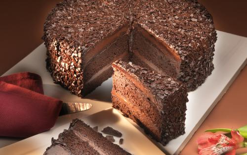 Portioned American style cakes